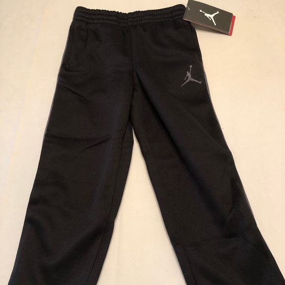 8beefc5d8aac Nike Michael Jordan Boy Athletic Track Sweats (3T)